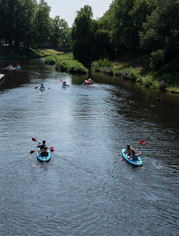 ENPICOM Team members canoeing